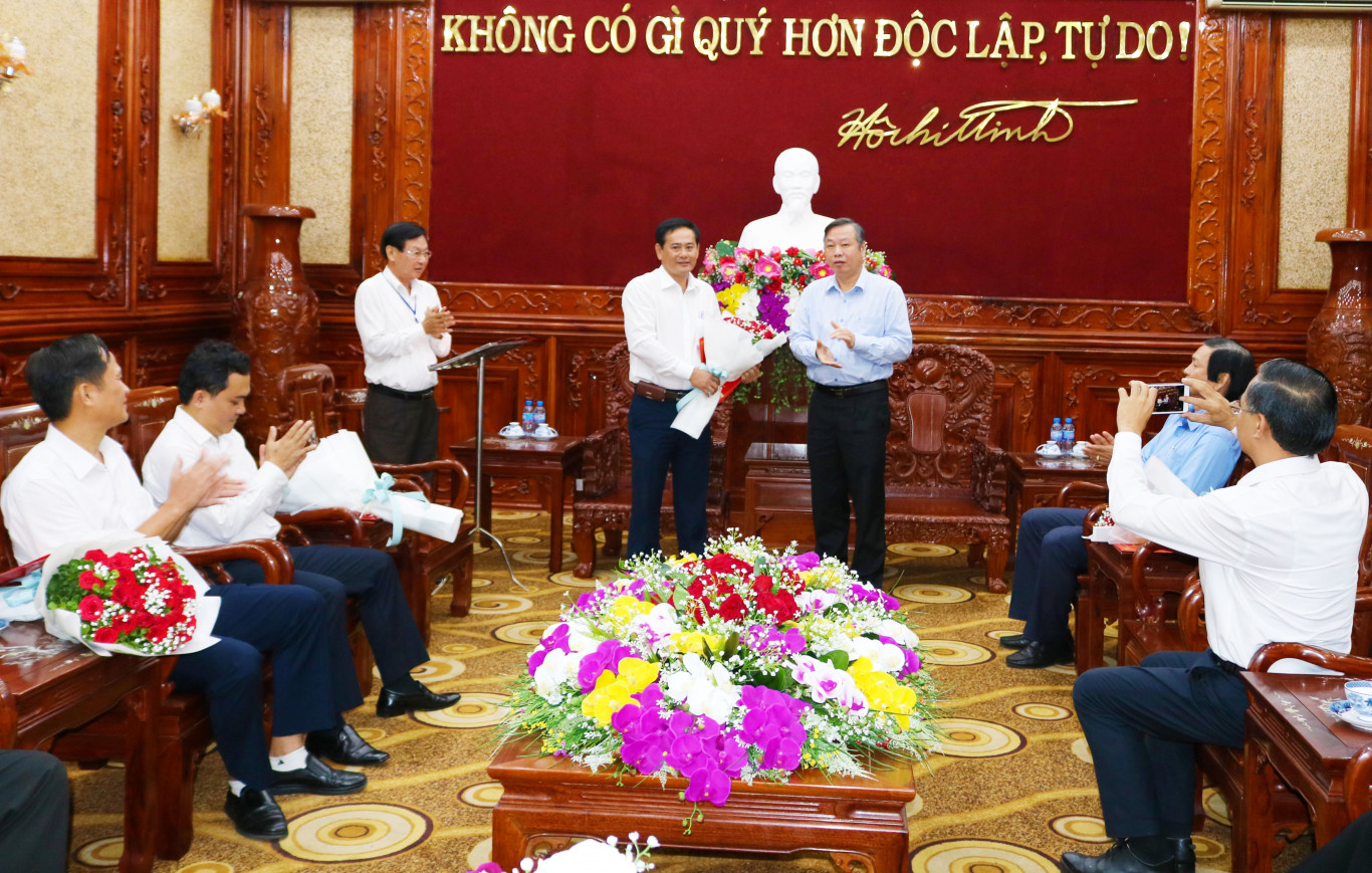 trao quyet dinh dc hoang