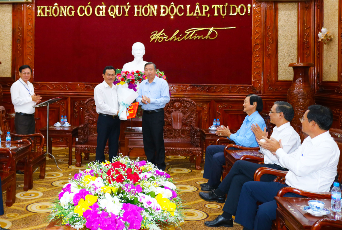 trao quyet dinh dc son