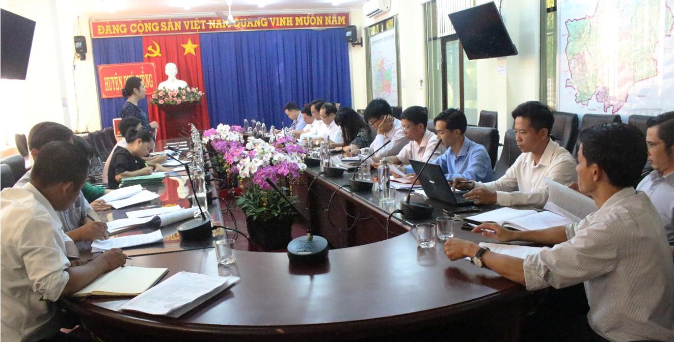 Kiểm tra tình hình thực hiện Chương trình xây dựng nông thôn mới trên địa bàn huyện Phú Riềng